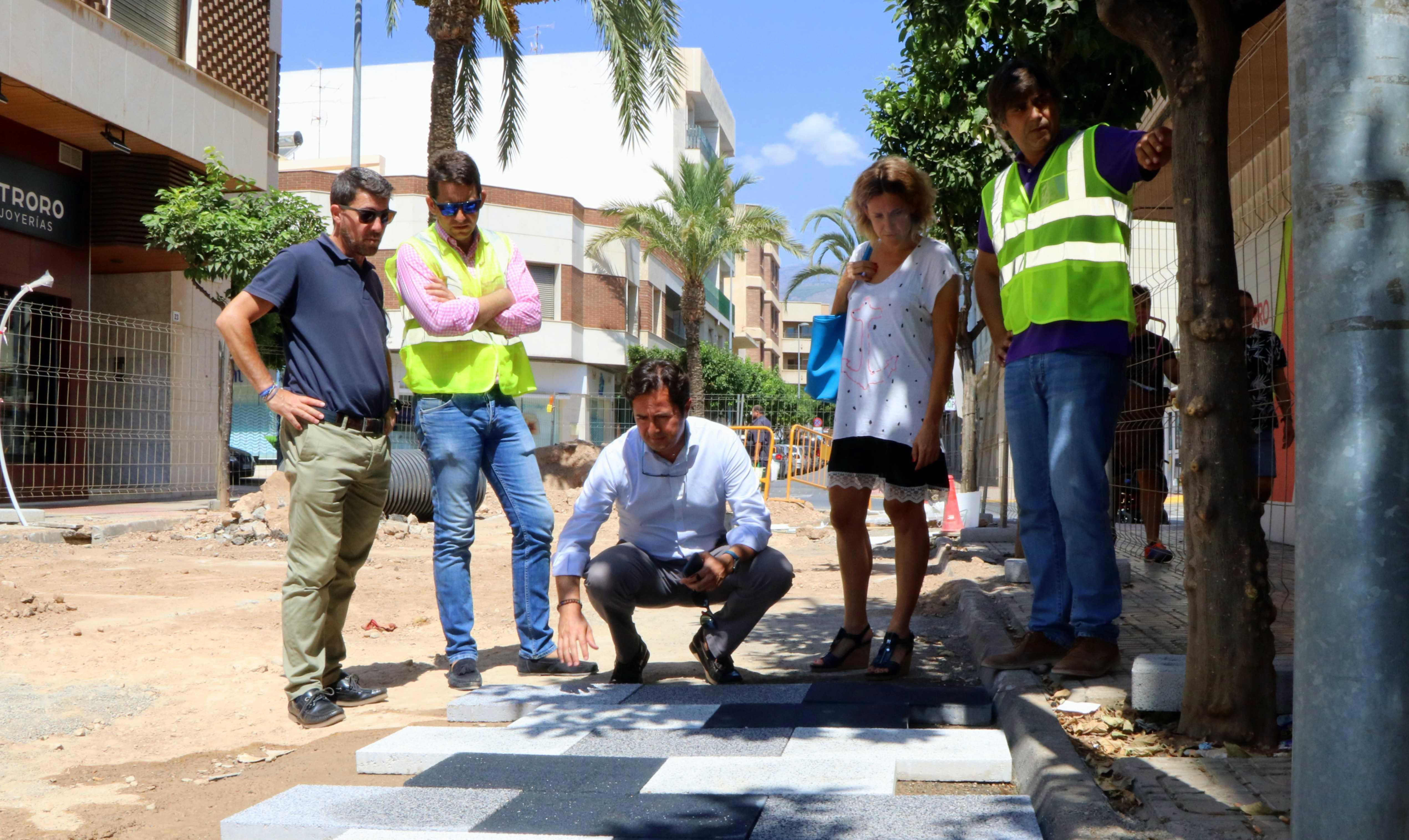 Las obras de remodelación y modernización de Ejido Centro progresan a un ritmo avanzado tras la colocación de los sistemas de canalización en la calle Iglesia