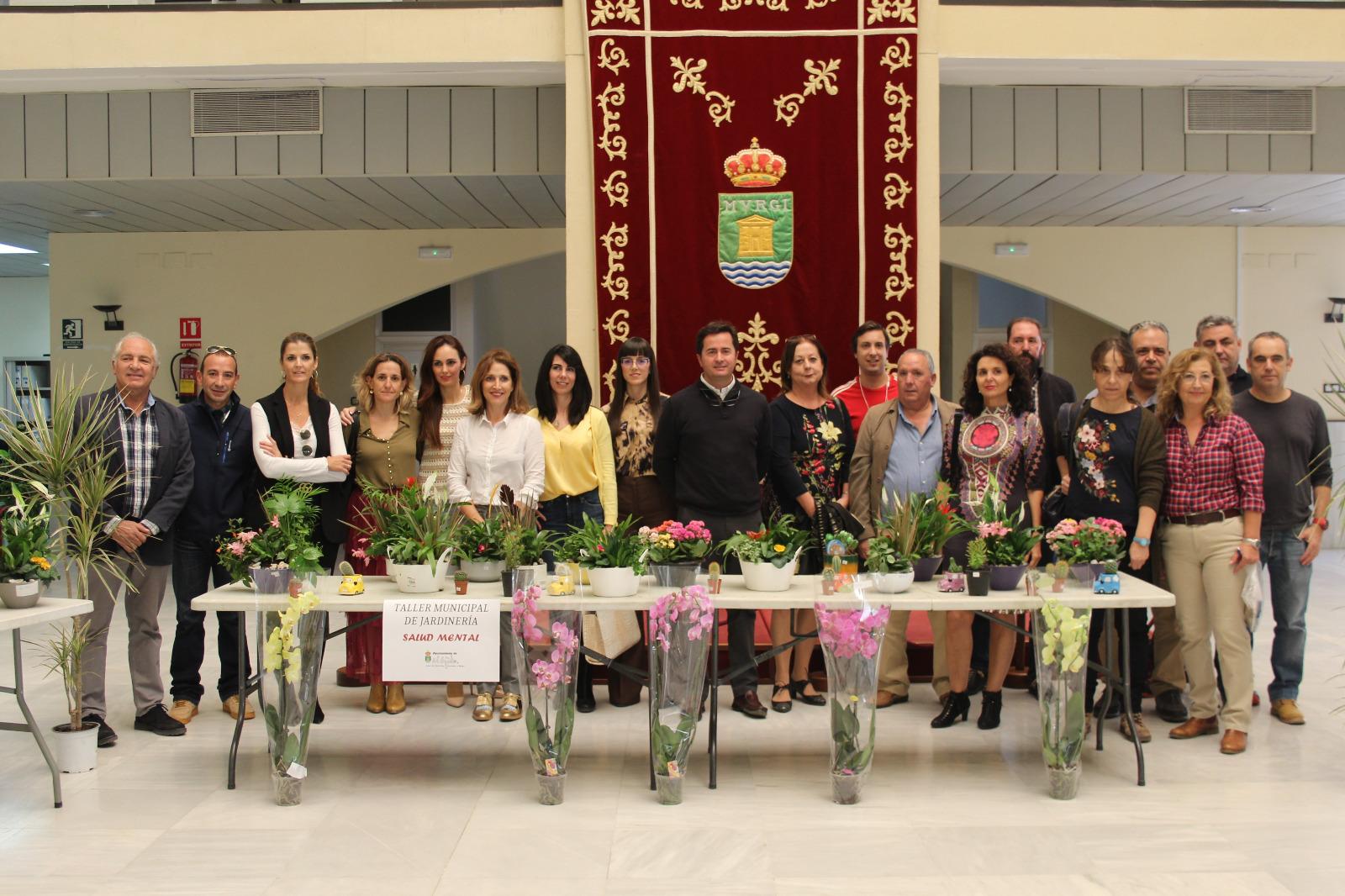 El Patio de Luces acoge la exposición de los trabajos que han realizado durante el año los usuarios del Taller de Jardinería de Salud Mental