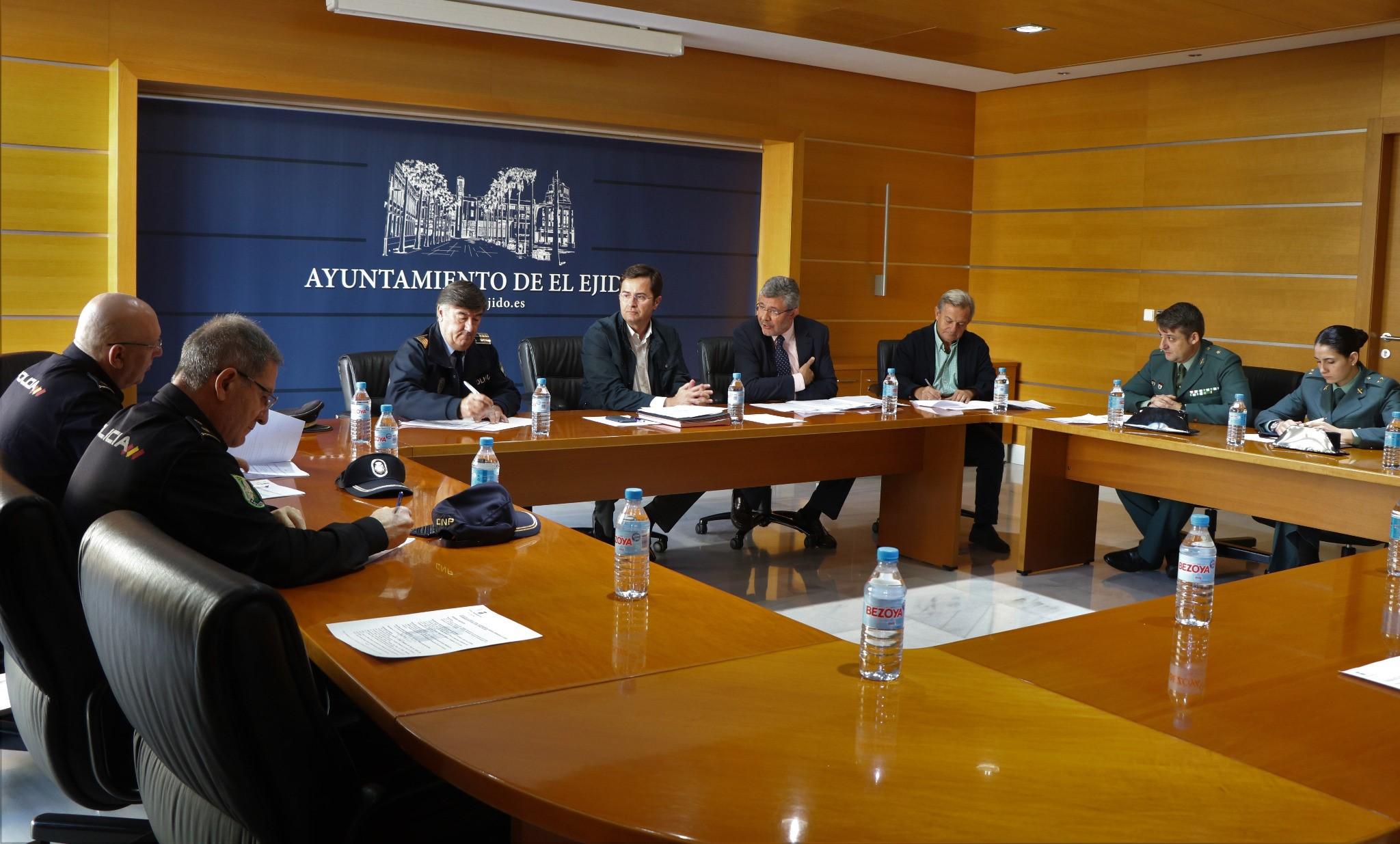 La Junta Local de Seguridad se reúne para establecer el dispositivo especial de vigilancia que se mantendrá activo durante las elecciones generales del próximo domingo