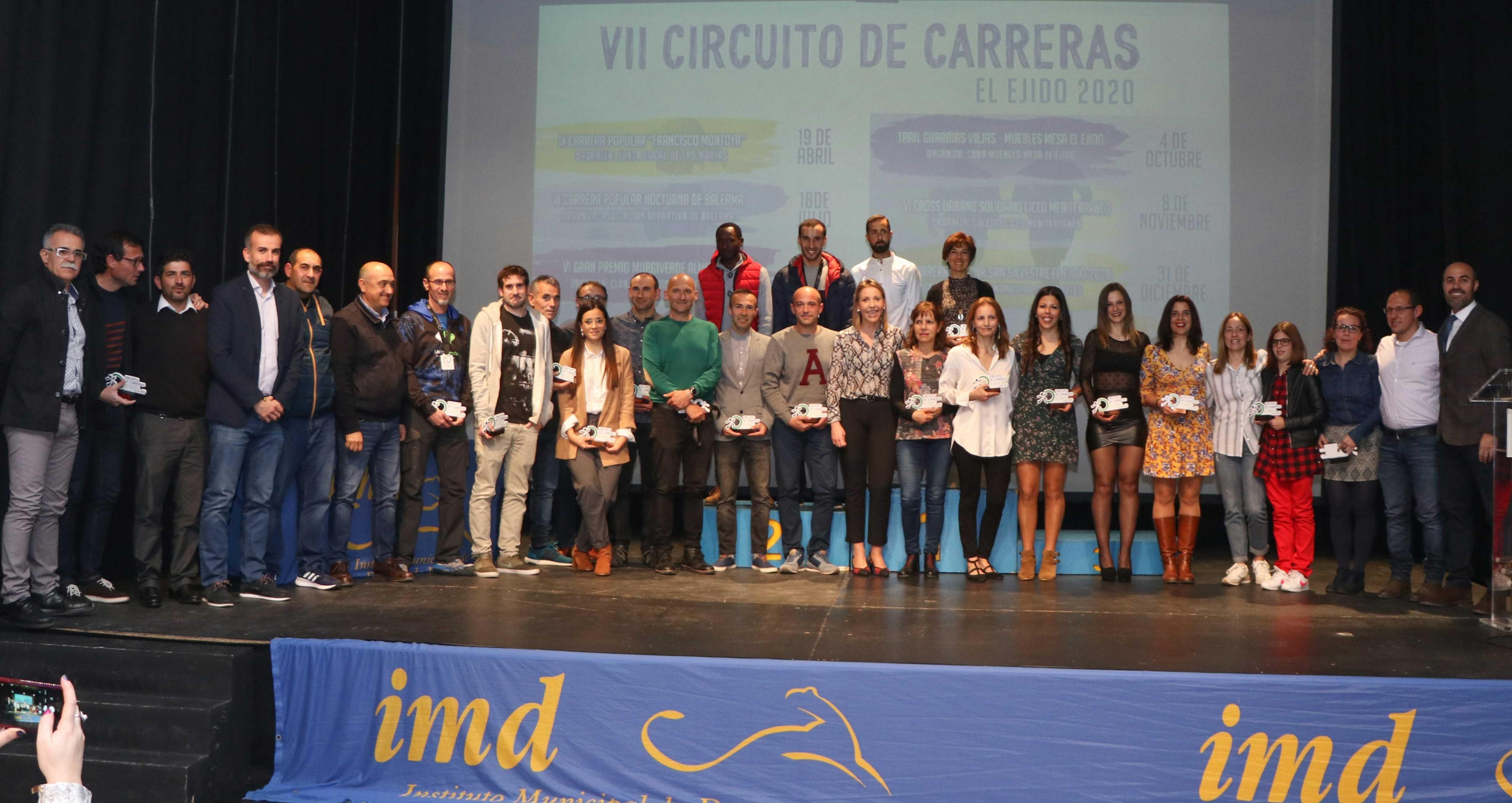 El Ejido clausura el VI Circuito de Carreras Populares, batiendo récord de participación, y da paso a la siguiente edición