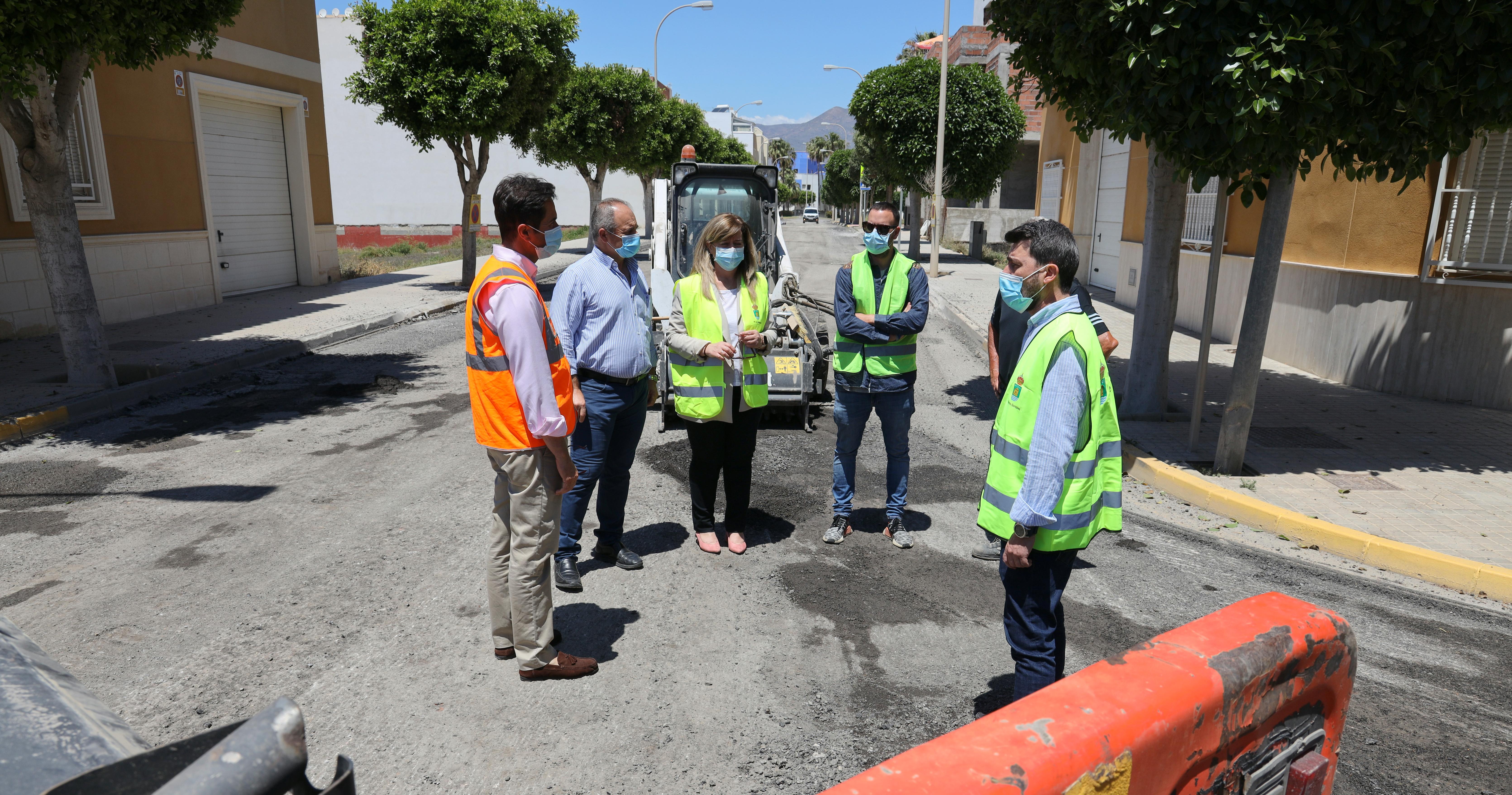 Estos días finalizan los trabajos de reasfaltado en las calles de Balerma incluidas dentro de la III Fase del Plan de Regeneración y Pavimentos de Viales