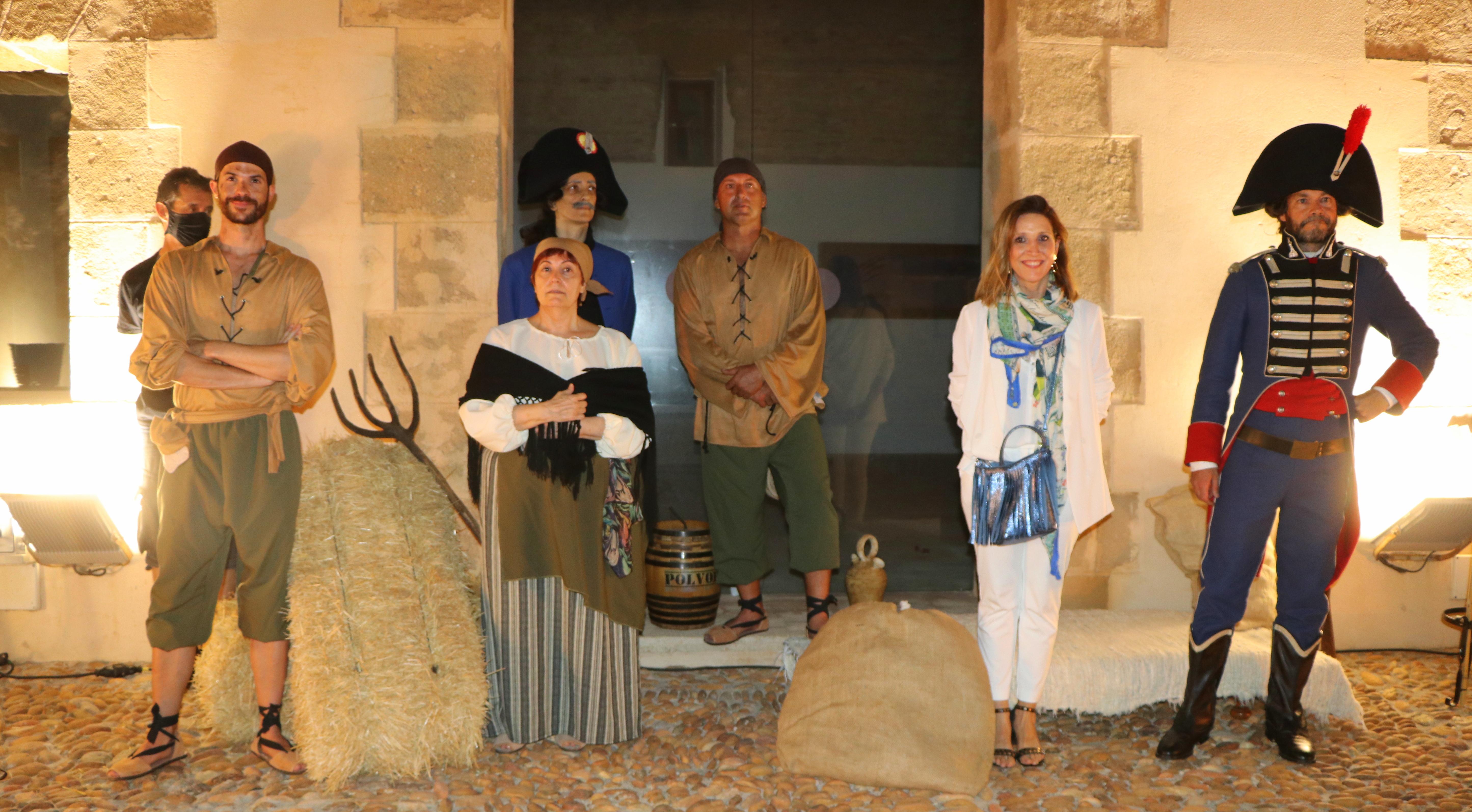 El Castillo de Guardias Viejas de El Ejido custodia este verano una histórica 'puerta del tiempo' que traslada al espectador hasta el siglo XIX