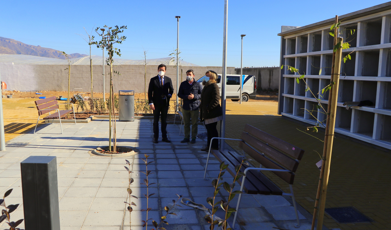 El proyecto de ampliación y mejora del Cementerio de El Ejido permite mejorar la calidad del servicio con unas instalaciones más modernas y cubrir las necesidades poblacionales durante los próximos cinco años con casi 1.000 nichos más