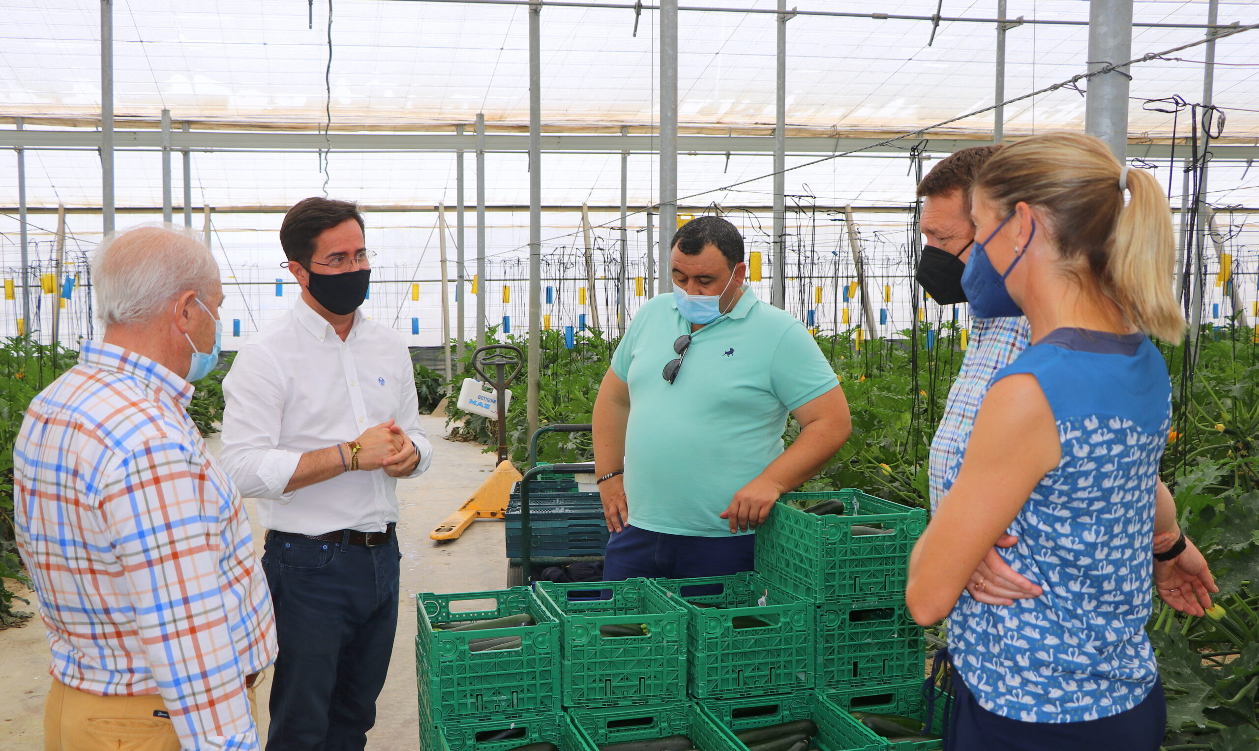El alcalde visita la finca LQA Thinking Organic, modelo de buenas prácticas en sostenibilidad y agricultura ecológica