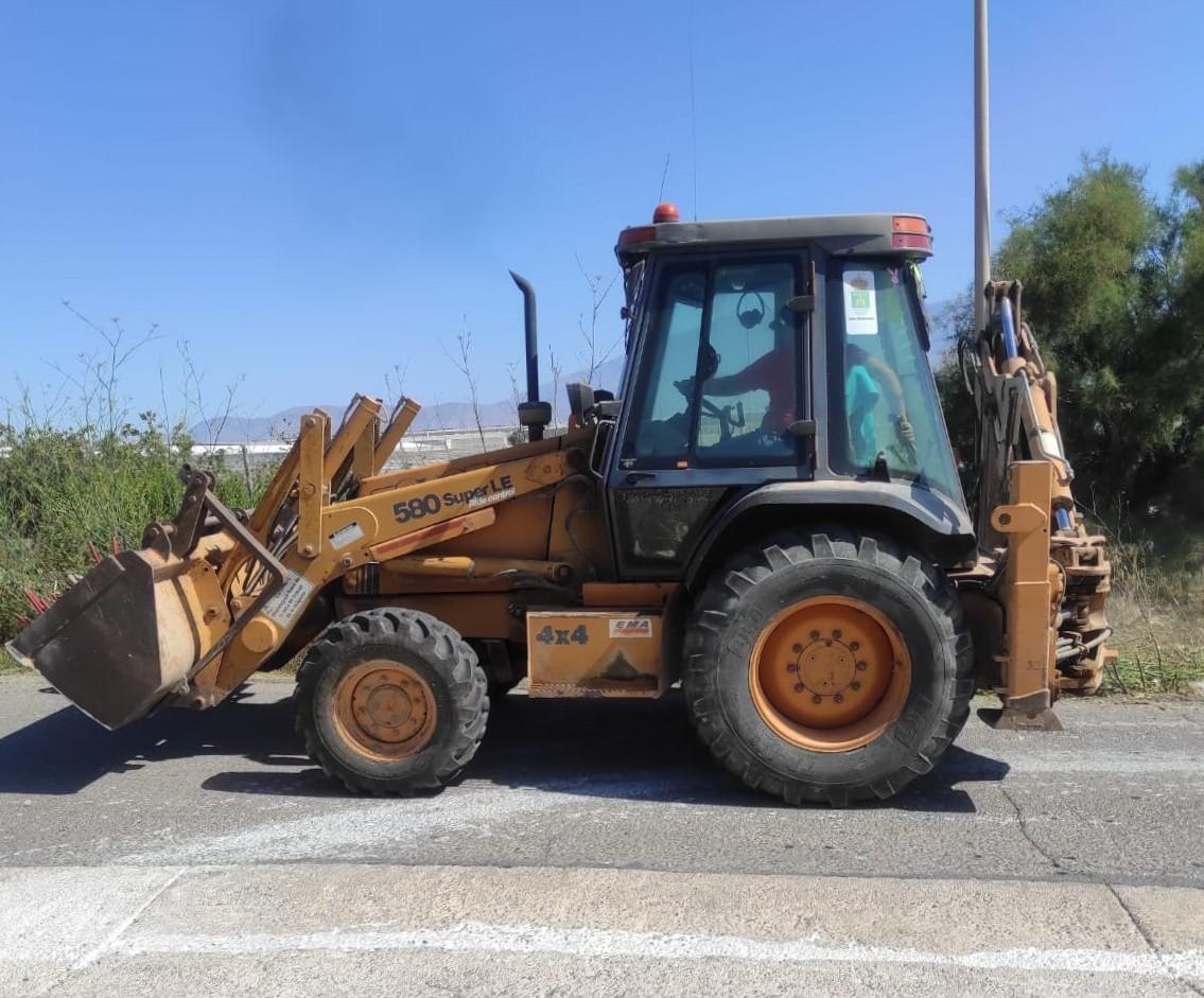 El Ayuntamiento intensifica durante el periodo estival las tareas de desbrozado y limpieza de cunetas de los caminos rurales para optimizar sus condiciones de uso