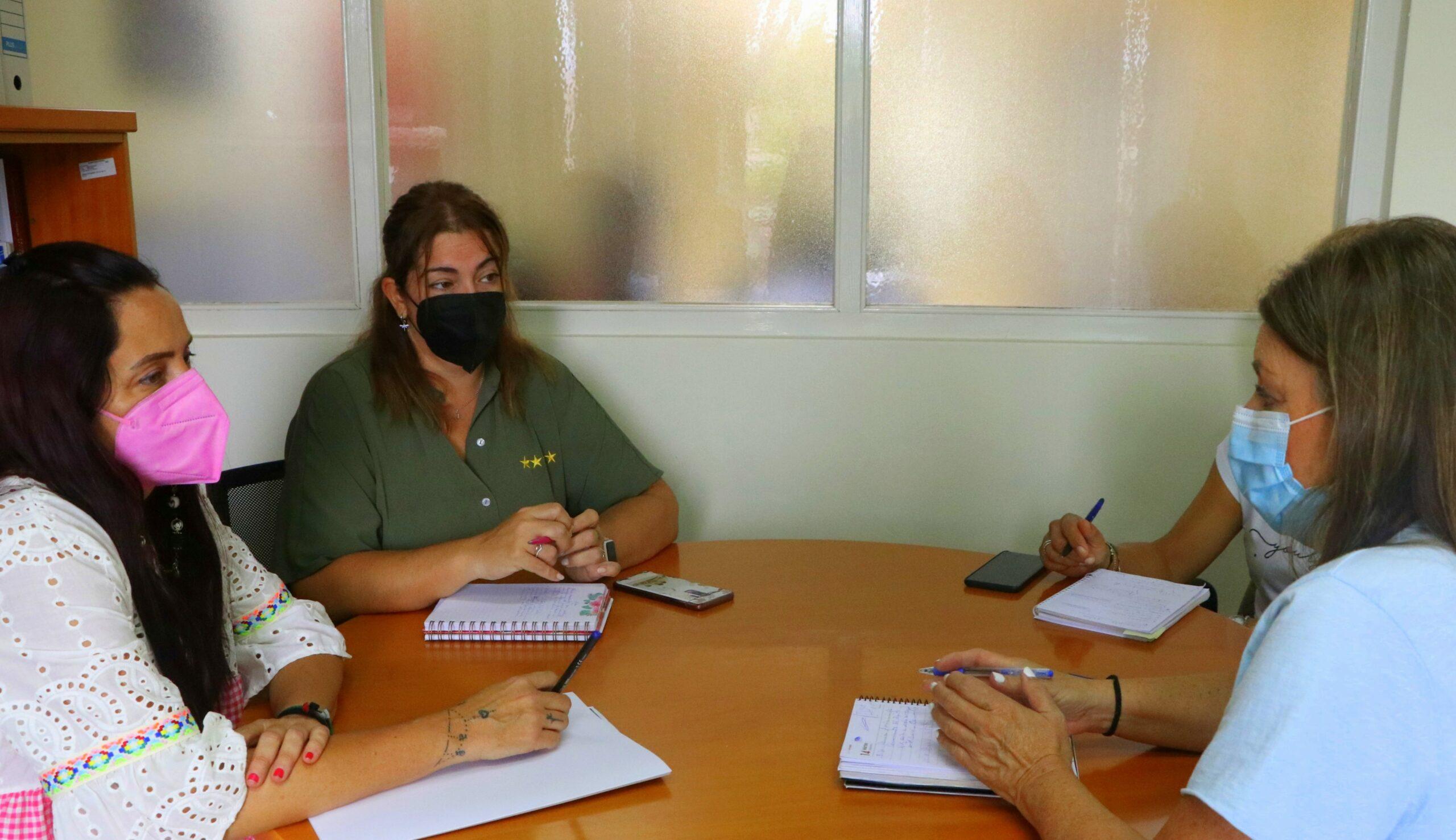 Ayuntamiento y 'Asociación de Comerciantes, Servicios y Hostelería de El Ejido' trabajan en la puesta en marcha de acciones conjuntas que incentiven la compra y el consumo en el municipio